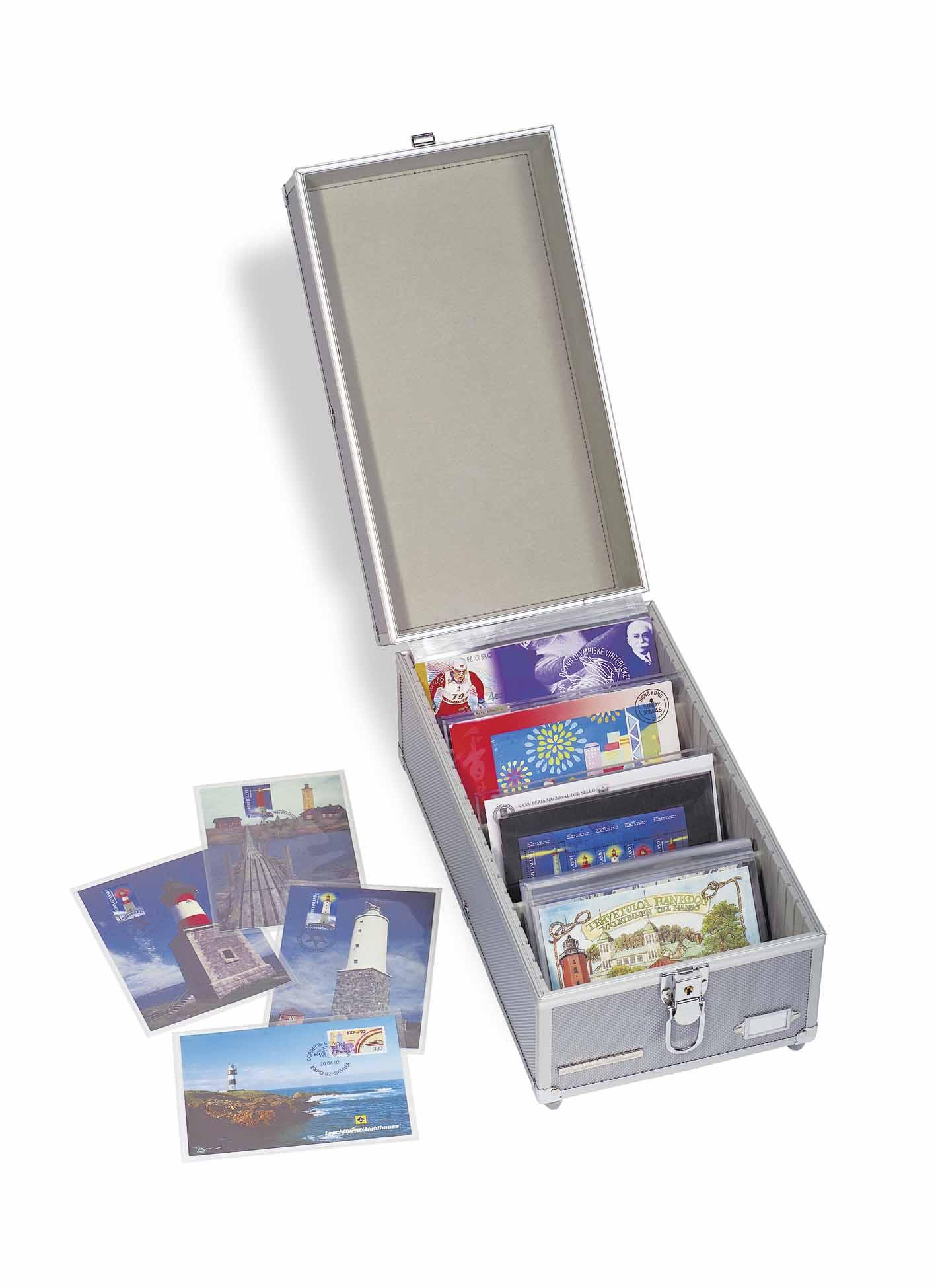 Как хранить коллекцию открыток